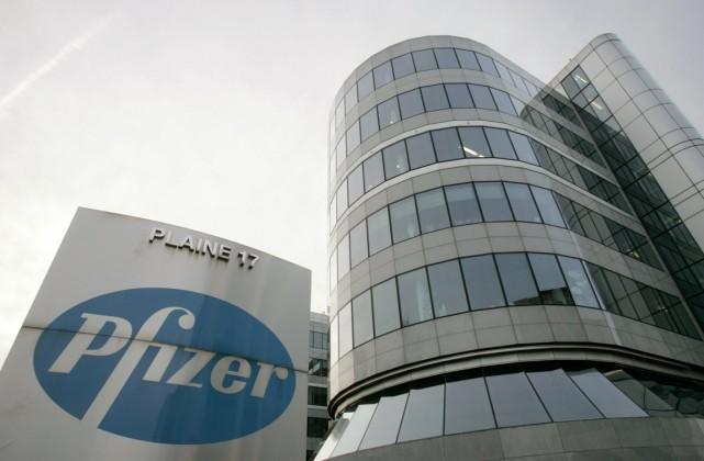 Pfizer a accepté de renoncer à 16 millions... (Photo archives Reuters)