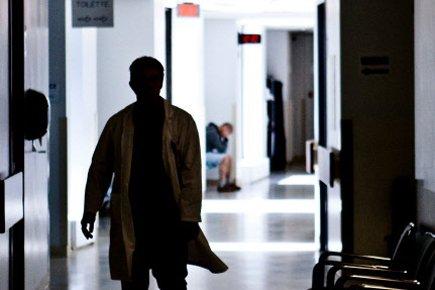 Larmes, somnifères, alcool,perte d'amis: les futurs médecinsdu Québec sont si... (Photo: Martin Chamberland, La Presse)