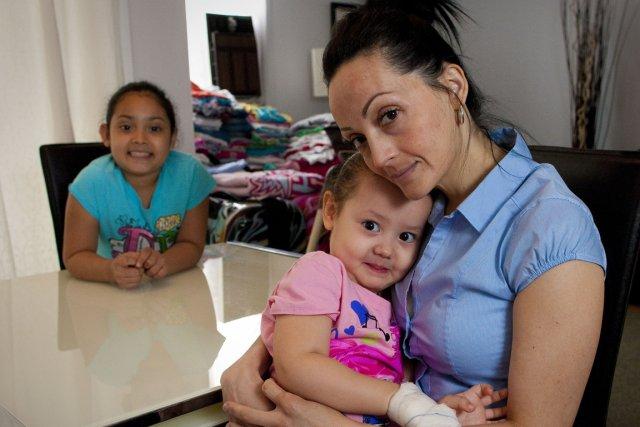 Johanna Martinez et ses deux filles.... (Photo André Pichette, La Presse)