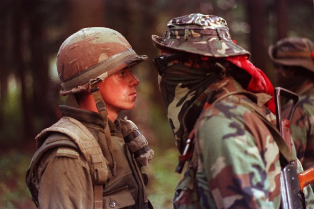 Le soldat canadien Patrick Cloutier et le Warrior... (PHOTO SHANEY KOMULAINEN, ARCHIVES LA PRESSE CANADIENNE)