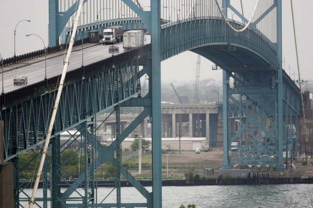 Le pont actuel reliant la ville de Windsor... (Photo d'archives, PC)