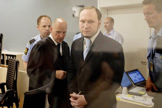 Anders Behring Breivik, lors de son arrivée à... (Photo:  Daniel Sannum Lauten, AFP)