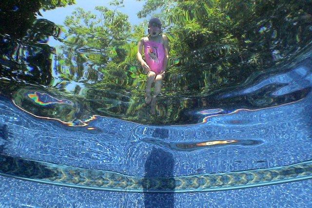 Piscines des r gles de s curit resserrer pierre for Regle de securite piscine