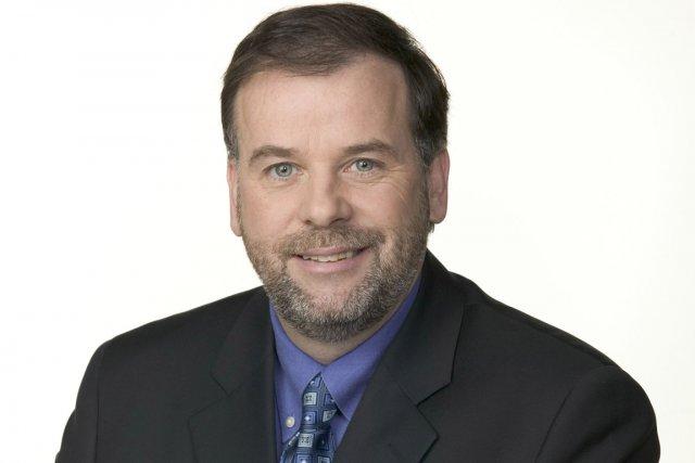 Le journaliste Pierre Duchesne sera candidat du PQ... (Photo fournie par Radio-Canada)