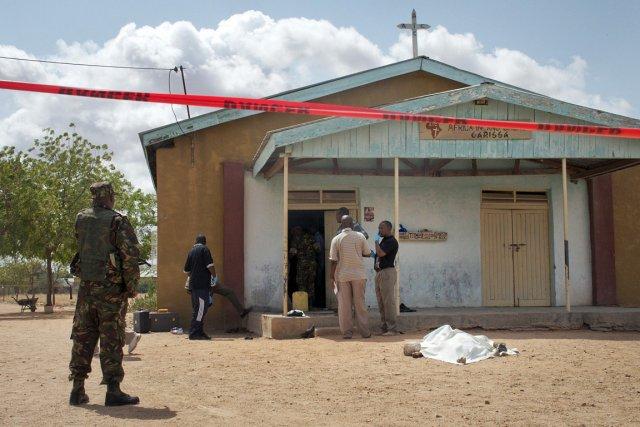 Des hommes armés ont ouvert le feu et... (Photo: AP)