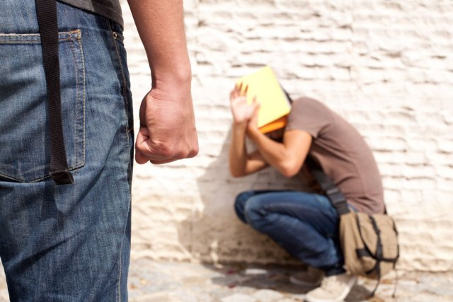 images.lpcdn.ca/641x427/201207/04/518130-nouvelle-chaire-recherche-securite-violence.jpg