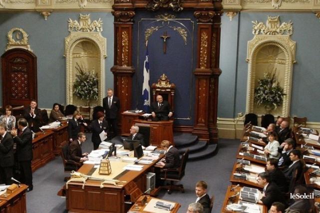 Les députés du Parti québécois ont été informés à la sauvette des  changements... (Photothèque Le Soleil)