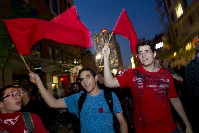 Image d'archive d'une manifestation étudiante nocturne, à Montréal.... (Photo archives La Presse)