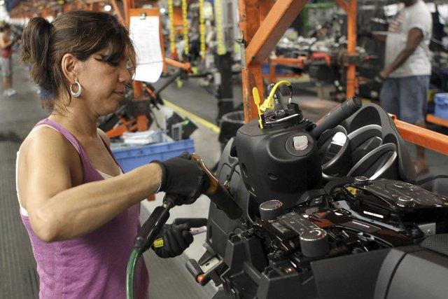 Les commandes reçues par les industries manufacturières aux États-Unis ont... (Photo Reuters)