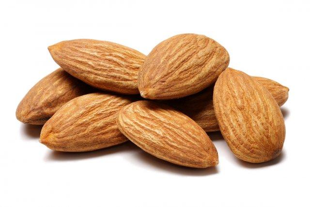Les amandes contiendraient 20 % moins de calories qu'on le croyait,  selon une...