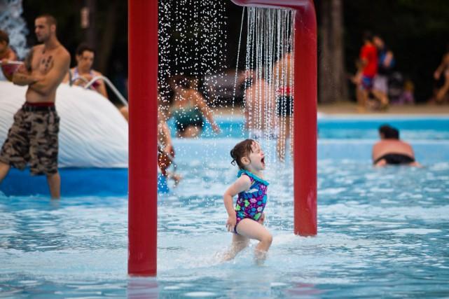 La piscine de l 39 expo ferm e vendredi et samedi en journ e for Club piscine granby