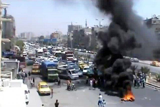 Le régime de Bachar al-Assad se fragilise de... (PHOTO AFP/YOUTUBE)