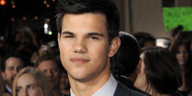 Taylor Lautner... (AP)