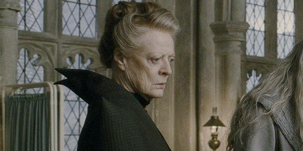 L'actrice britannique Maggie Smith interprète le professeur Minerva... (AP)