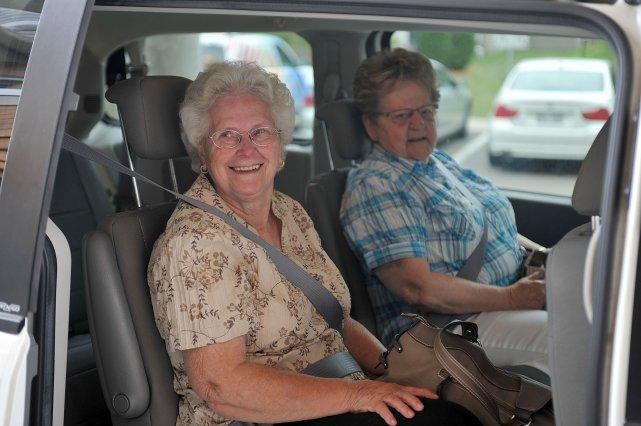 Liliane Fréchette et Raymonde Delisle étaient souriantes à... (Photo: Stéphane Lessard)