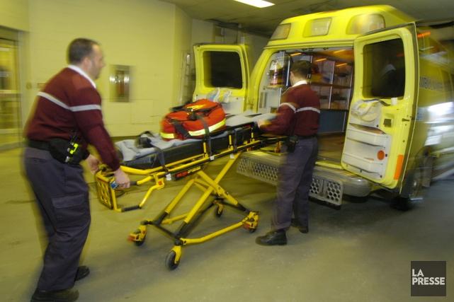 Un accident de la route survenu en fin de soirée samedi a fait un mort  et 5... (PHOTO ROBERT SKINNER, ARCHIVES LA PRESSE)