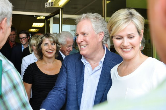 Le chef libéral Jean Charest était de passage... (Photo: Émilie O'Connor)