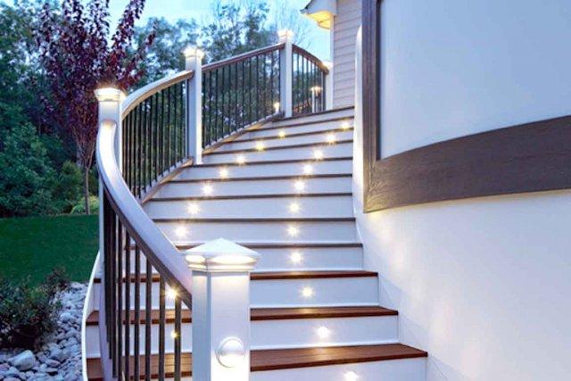 poteaux lumineux pour escaliers en del mich le. Black Bedroom Furniture Sets. Home Design Ideas