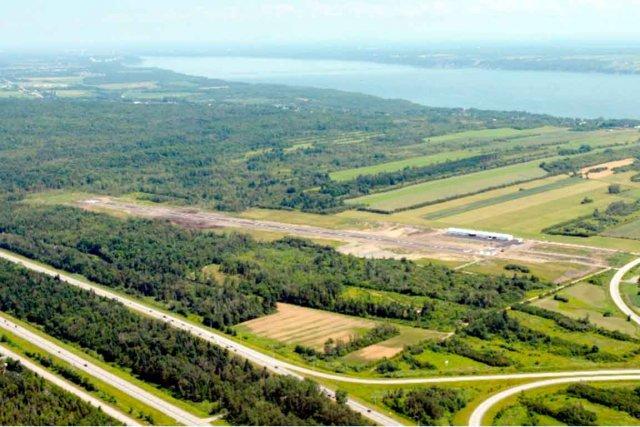 Les travaux de construction des infrastructures de l'aérodrome... (Photo fournie par Neuville Aéro)