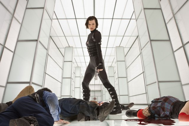 Resident Evil - Retribution... (Media Films)