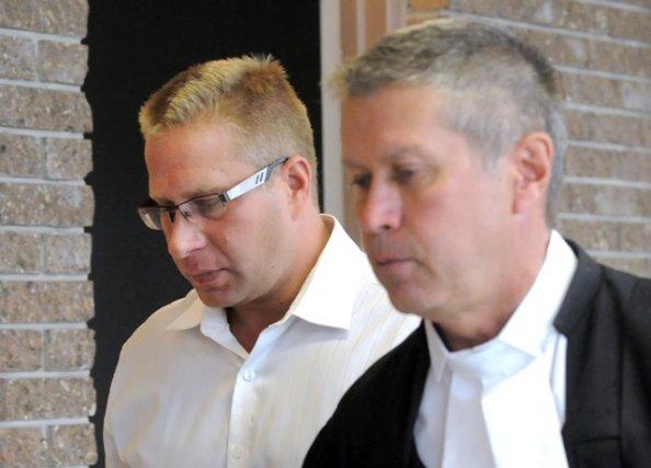 Jérôme Hallé et son avocat... (Imacom, Maxime Picard)