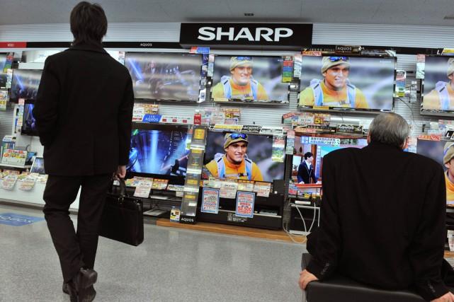 Le spécialiste japonais des écrans à cristaux liquides Sharp (SHCAF) a... (PHOTO KAZUHIRO NOGI, ARCHIVES AFP)