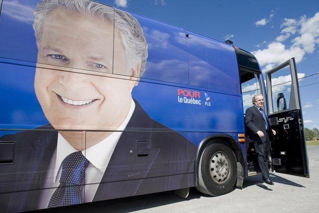 Jean Charest pendant la dernière campagne électorale... (Photo: archives PC)