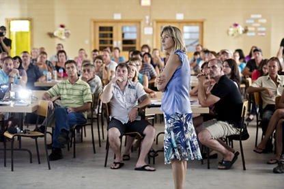 Les parents de 47 élèves de l'école des Arbrisseaux participaient hier à une... (Imacom, Jocelyn Riendeau)