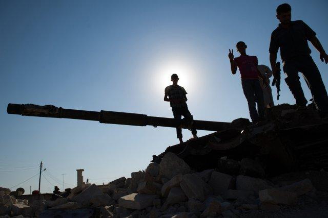 Cinq employés de Médecins sans frontières (MSF) ont été «pris hier soir (jeudi)... (PHOTO PHIL MOORE, archives AFP)
