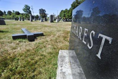 Le cimetière Saint-Roch, de la paroisse du même nom dans le secteur de Rock... (Imacom, Jocelyn Riendeau)
