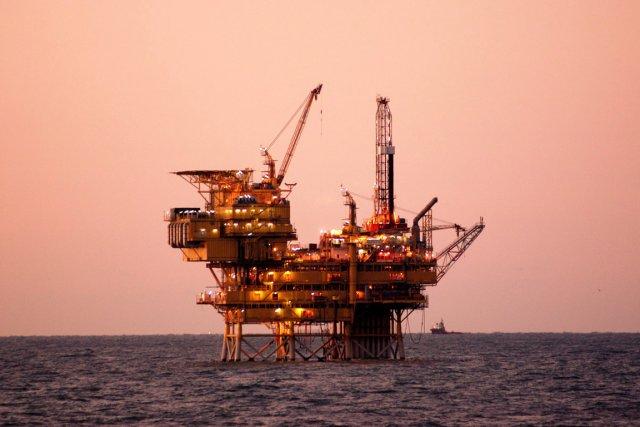 Les réserves mondiales de pétrole suffiront à satisfaire... (PHOTO LA PRESSE CANADIENNE)
