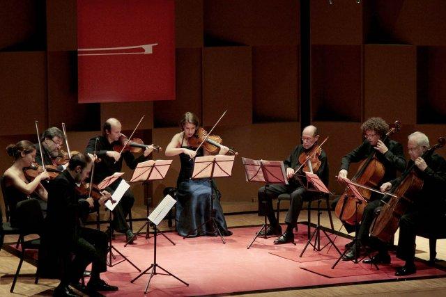 Le Quatuor Amaryllis et ses quatre invités, hier... (Photo fournie par l'Académie)