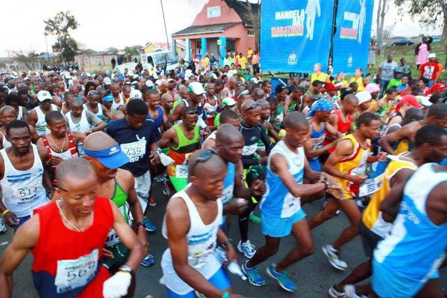 Les Sud-Africains aimant la symbolique des chiffres, les... (Photo : Rajesh Jantilal, AFP)