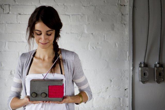 Chloé Audet, 23 ans, a confectionné ce prototype... (Photo: Marco Campanozzi, La Presse)
