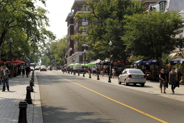 cinq bless es dans une course de rue au centre ville de qu bec faits divers. Black Bedroom Furniture Sets. Home Design Ideas
