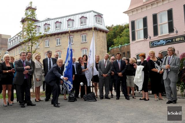 Les maires Régis Labeaume et Alain Juppé avaient... (Le Soleil, Erick Labbé)
