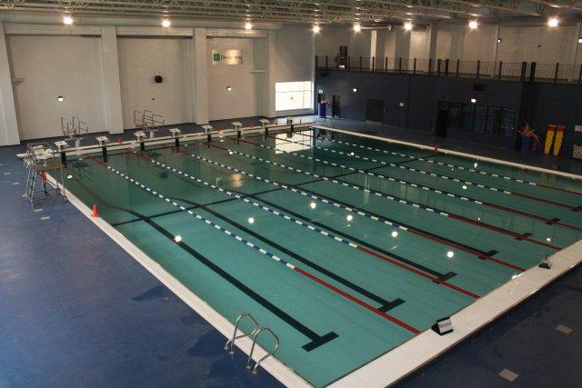 Une piscine semi olympique ouverte magog jean fran ois gagnon estrie et r gions - Dimension d une piscine olympique ...