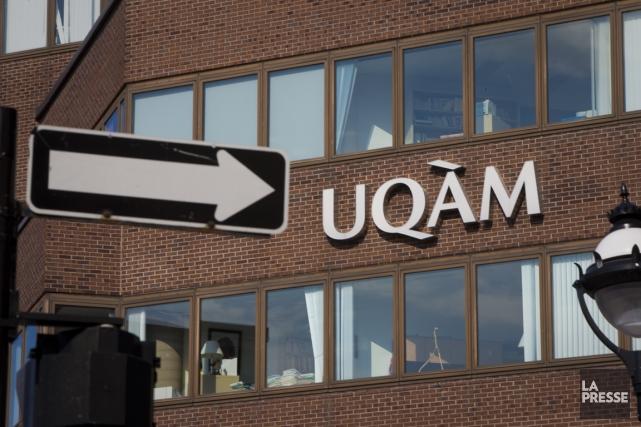 Environ 2000 membres du personnel de soutien de l'Université du Québec à... (PHOTO ANDRÉ PICHETTE, ARCHIVES LA PRESSE)