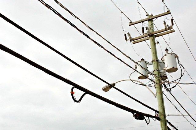 De forts vents qui ont soufflé la nuit dernière ont privé d'électricité ... (Archives, La Tribune)