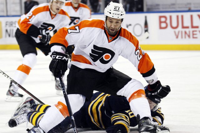 Maxime Talbot... (Photo: AP)