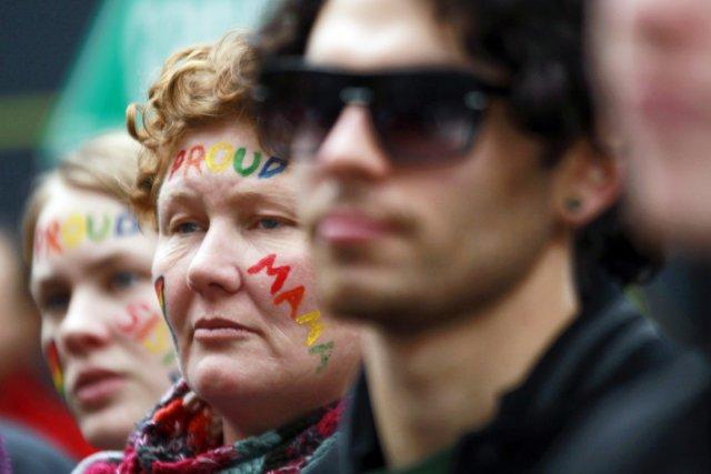 Des activistes militant pour la défense des droits... (PHOTO DANIEL MUNOZ, REUTERS)