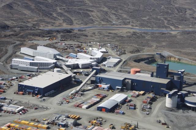 Les employés de la mine de nickel ont... (PHOTO FOURNIE PAR XSTRATA)