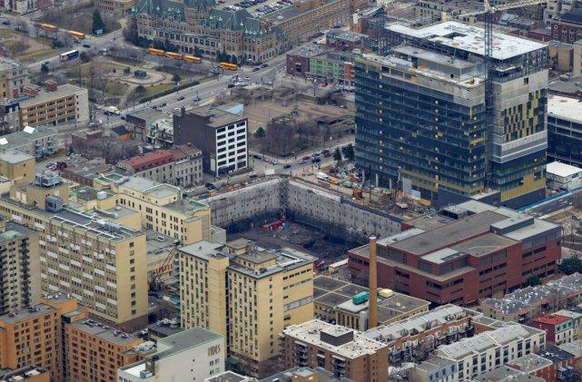 Le futur CHUM, au centre-ville de Montréal.... (Photo: Alain Roberge, La Presse (Archives))