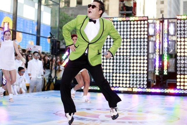 Le chanteur sud-coréen Psy connaît un succès fulgurant... (PHOTO REUTERS)