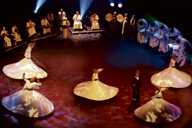 Le spectacle Dieu en 3D réunit sur une... (Photo: fournie par le festival)