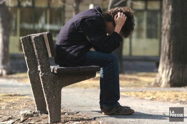 Quelque 1000 personnes se suicident par année au... (PHOTO MARTIN CHAMBERLAND, ARCHIVES LA PRESSE)