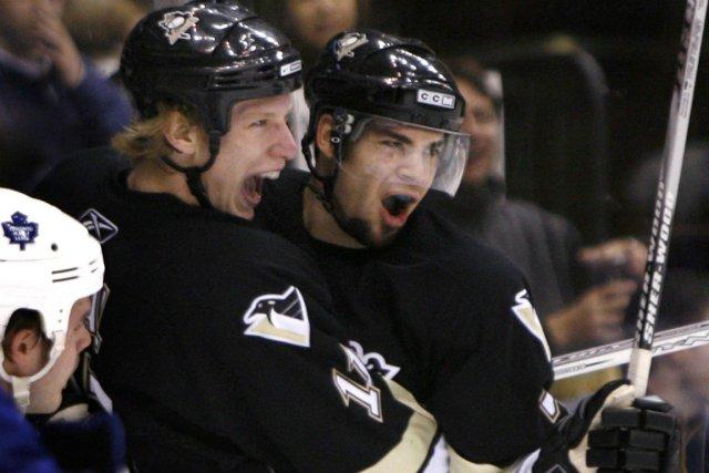 Michel Ouellet (à droite) a notamment joué pour... (Photo Mike Cassese, archives Reuters)