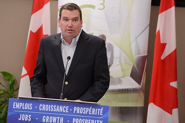 Le ministre de l'Industrie,  Christian Paradis... (Photo Le Soleil, Patrice Laroche)