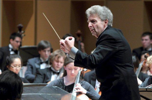 Alexis Hauser, chef de l'Orchestre symphonique de McGill.... (Photo: Archives de La Presse)