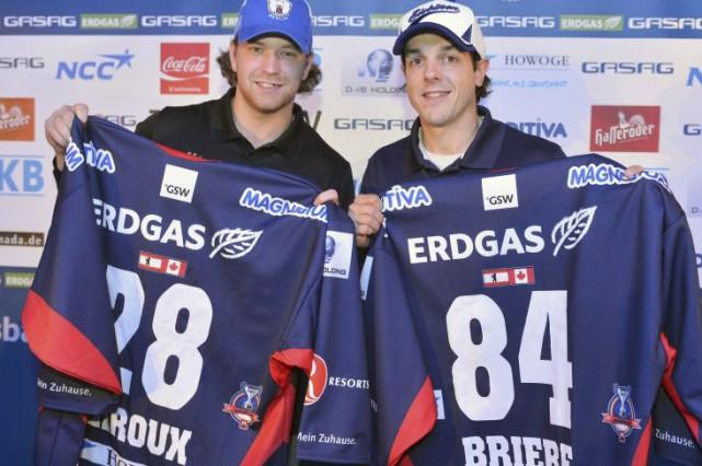 Claude Giroux et Daniel Brière évoluent avec les... (Courtoisie Mathias Renner, City-Press GbR)